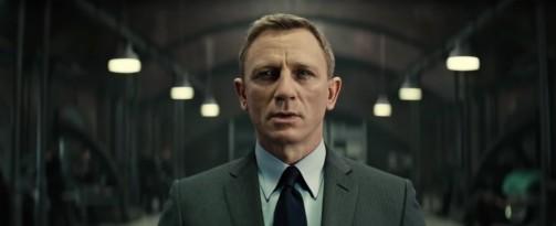 Přehrajte si online nový příběh Jamese Bonda!